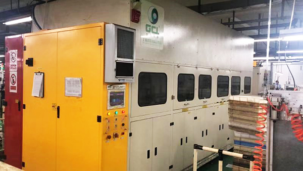 信浓马达多槽式碳氢真空清洗机应用案例