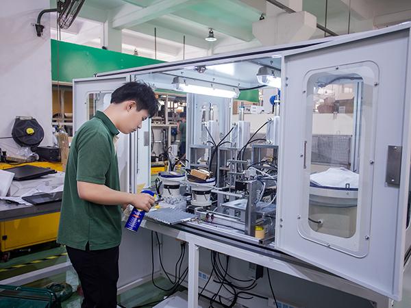 鑫承诺告诉你工业清洗机的维护和保养的方法