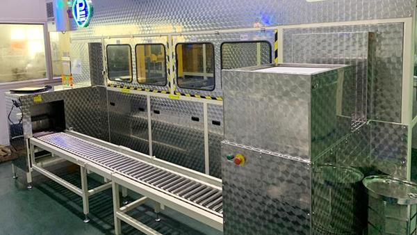 广州新豪3槽式碳氢真空清洗机工程案例