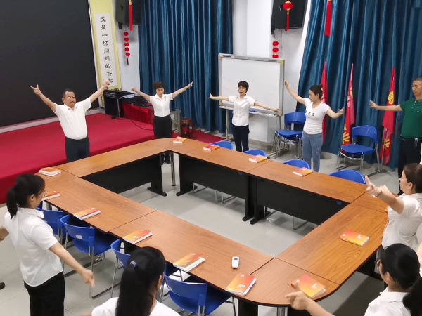 【鑫承诺碳氢清洗丨晨会文化】读书生慧&手语